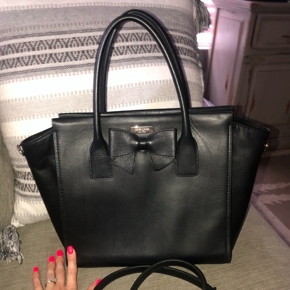 kate spade Handbags - Kate Spade 100% leather bow purse